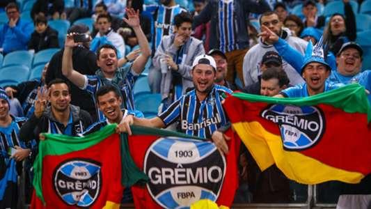 Torcida do Grêmio acorda delegação do Botafogo com foguetório em hotel