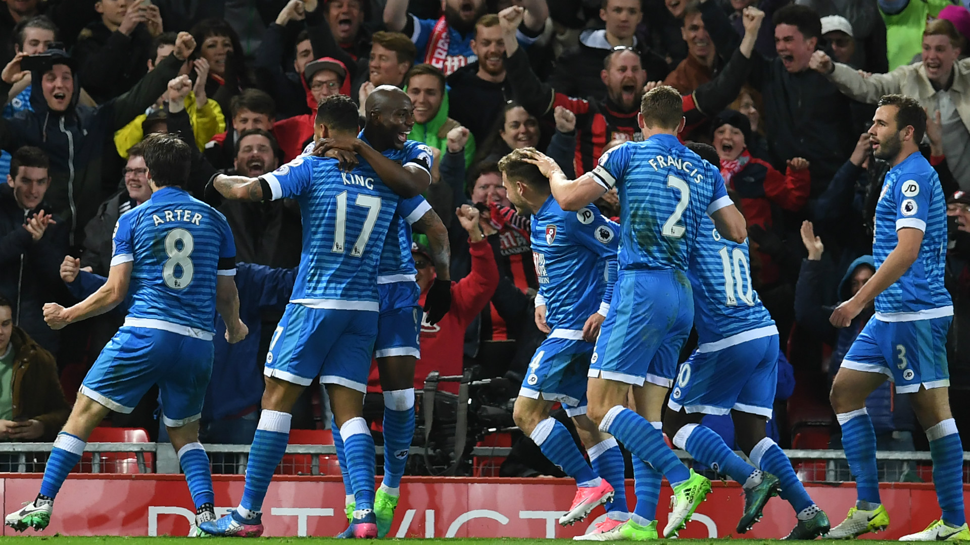 HD Bournemouth celebrate v Liverpool 2-2