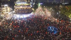 CĐV náo loạn đường phố ăn mừng U23 Việt Nam