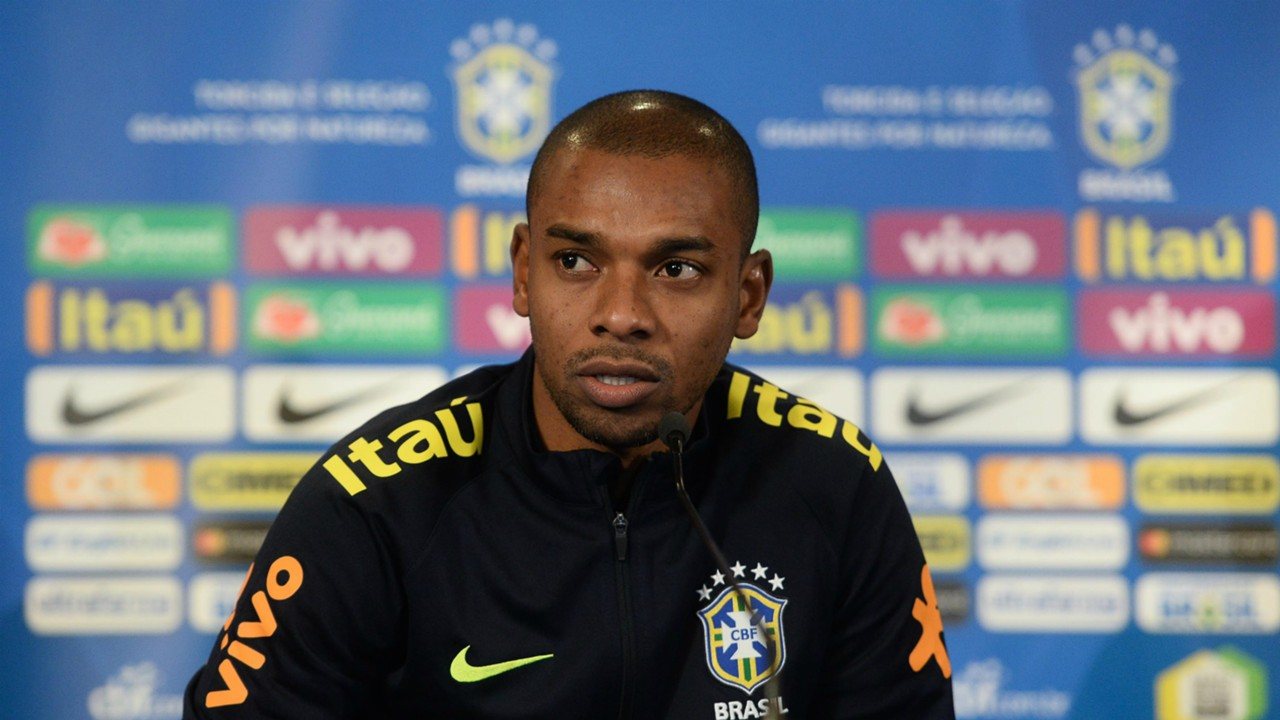 Fernandinho can offer Brazil midfield alternative