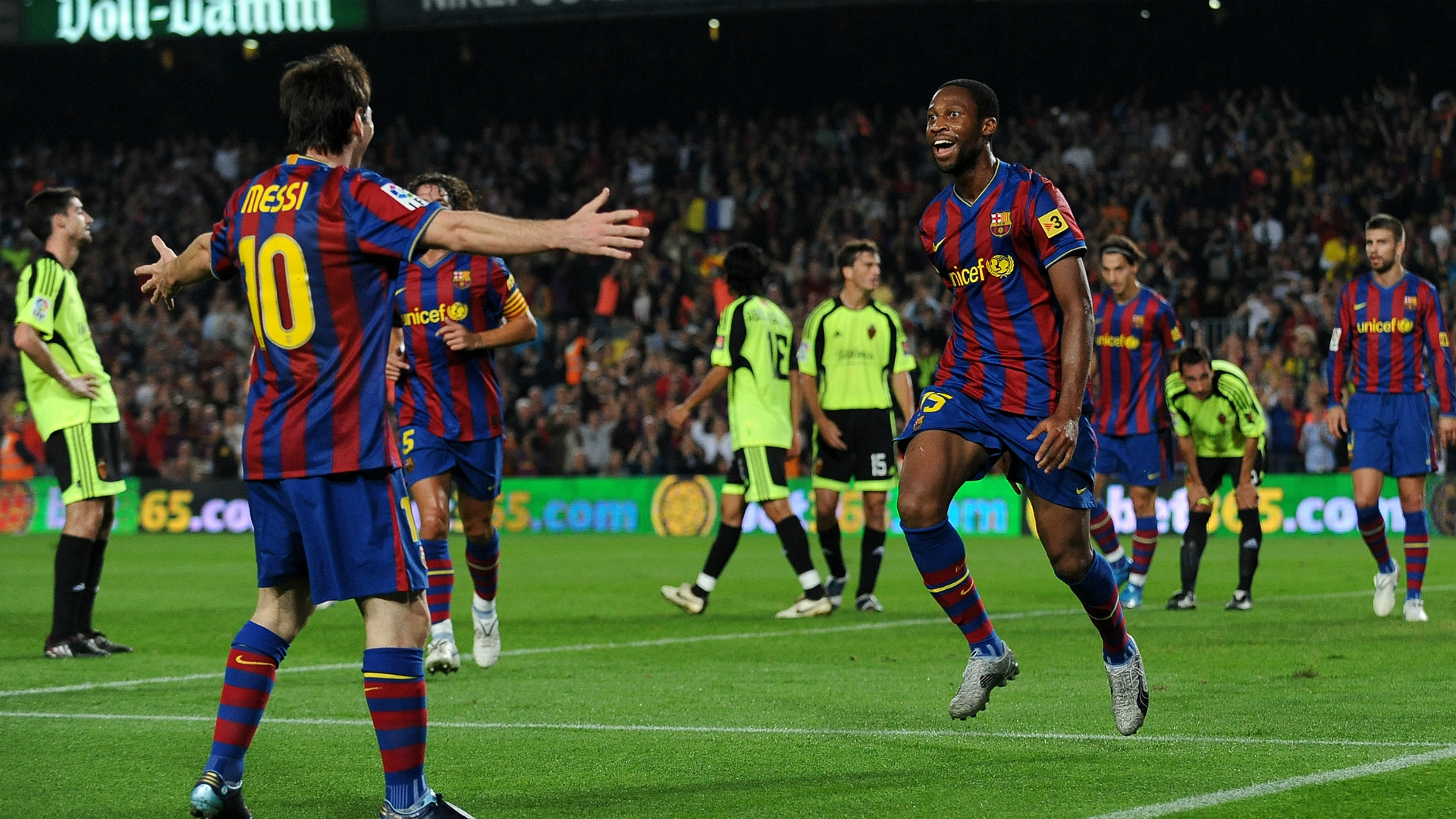 Seydou Keita Lionel Messi Barcelona Zaragoza 10252009