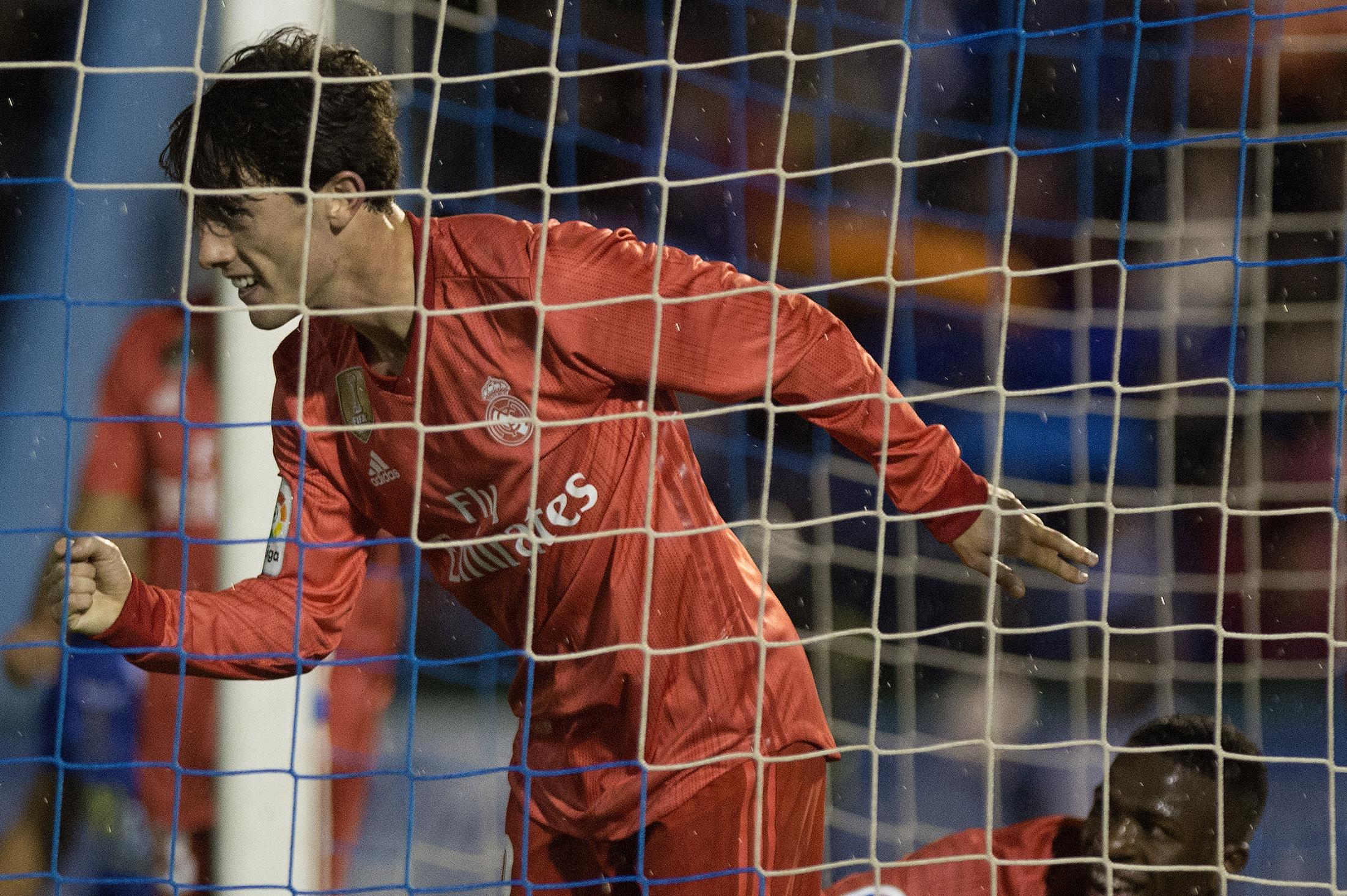 Alvaro Odriozola Melilla Real Madrid Copa Del Rey 31102018