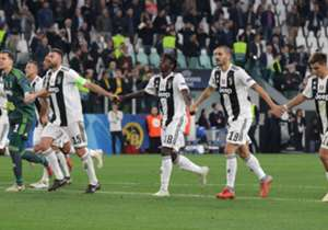 Oltre a Cristiano Ronaldo, sempre in campo con la Juventus, sono 17 i giocatori di movimento che hanno giocato per intero le prime dieci giornate.