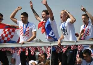 Tout comme les Français, et malgré la défaite en finale, les supporters croates ont réservé une énorme fête à leur sélection pour son retour au pays.