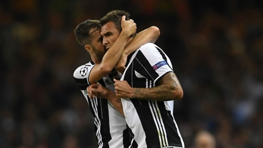 Miralem Pjanic I Mario Mandzukic Juventus Real 03062017 Champions league final