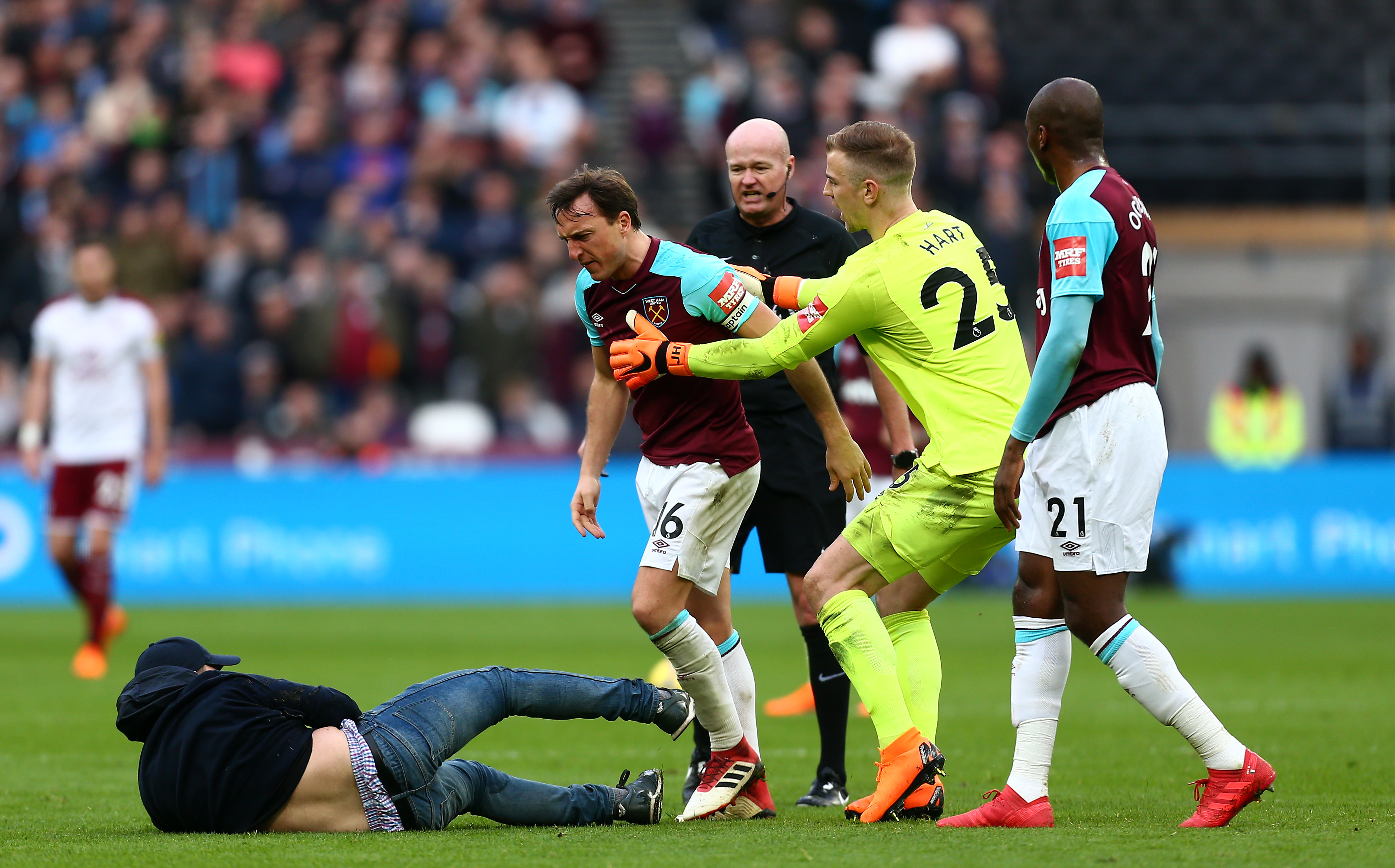 West Ham United Burnley Mark Noble 03/10/18