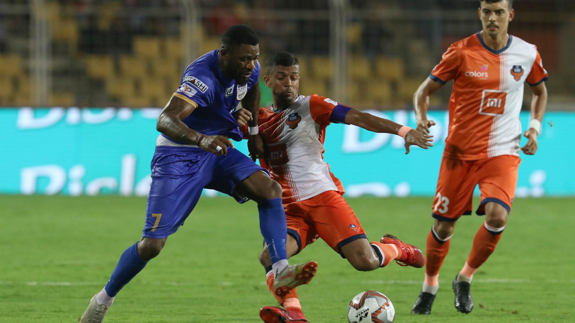 Arnold Issoko Mandar Rao Dessai FC Goa Mumbai City FC ISL 5 03122019