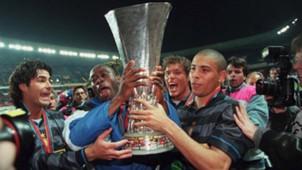 Taribo West Ronaldo Inter UEFA Cup