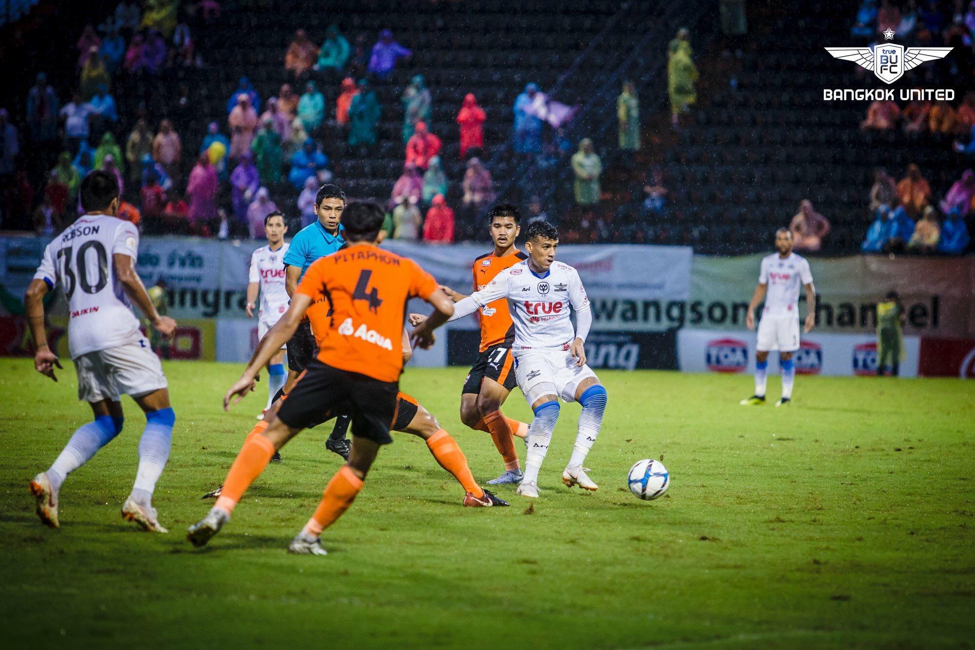 Image result for ทรูบียูปลดล็อค พลิกแซงเชียงราย 2-1