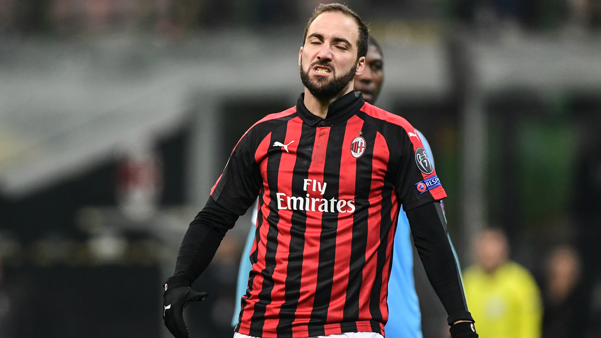 AC Milan's Higuain poised for Chelsea move