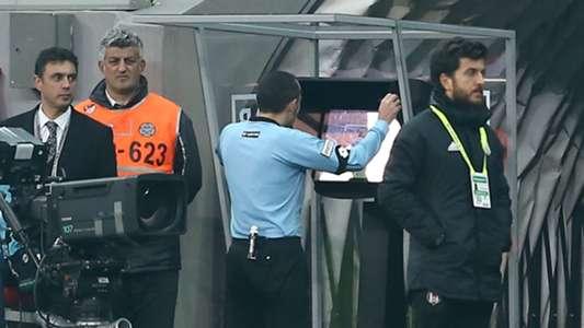 Cuneyt Cakir VAR Besiktas Galatasaray 12022018