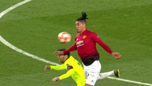 Chris Smalling Lionel Messi Manchester United Barcelona Champions League 2019