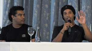 Assis e Ronaldinho 06 01 11