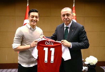 ozil 2
