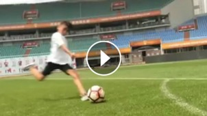 video tomas lavezzi