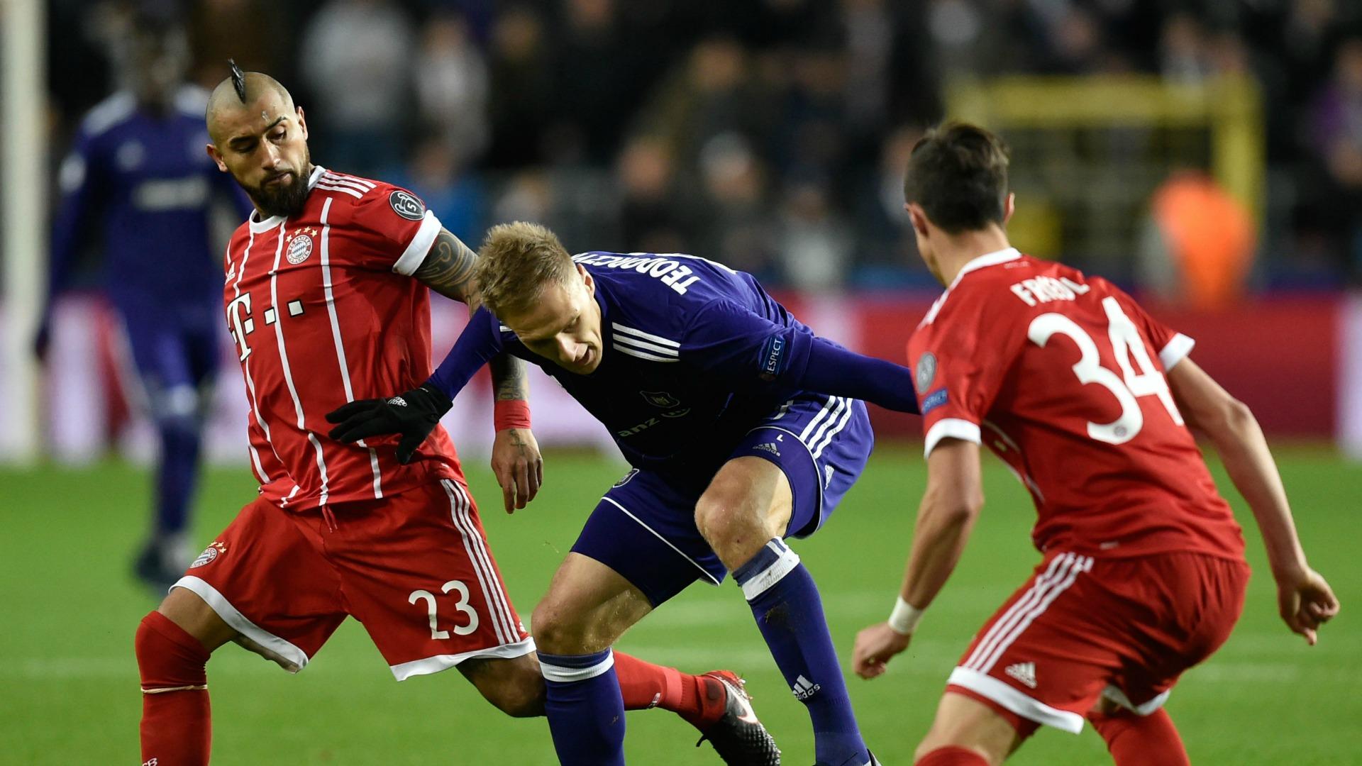 Con Vidal en cancha, el Bayern derrotó al Anderlecht por 2-1