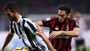 Hakan Calhanoglu Miralem Pjanic Milan Juventus