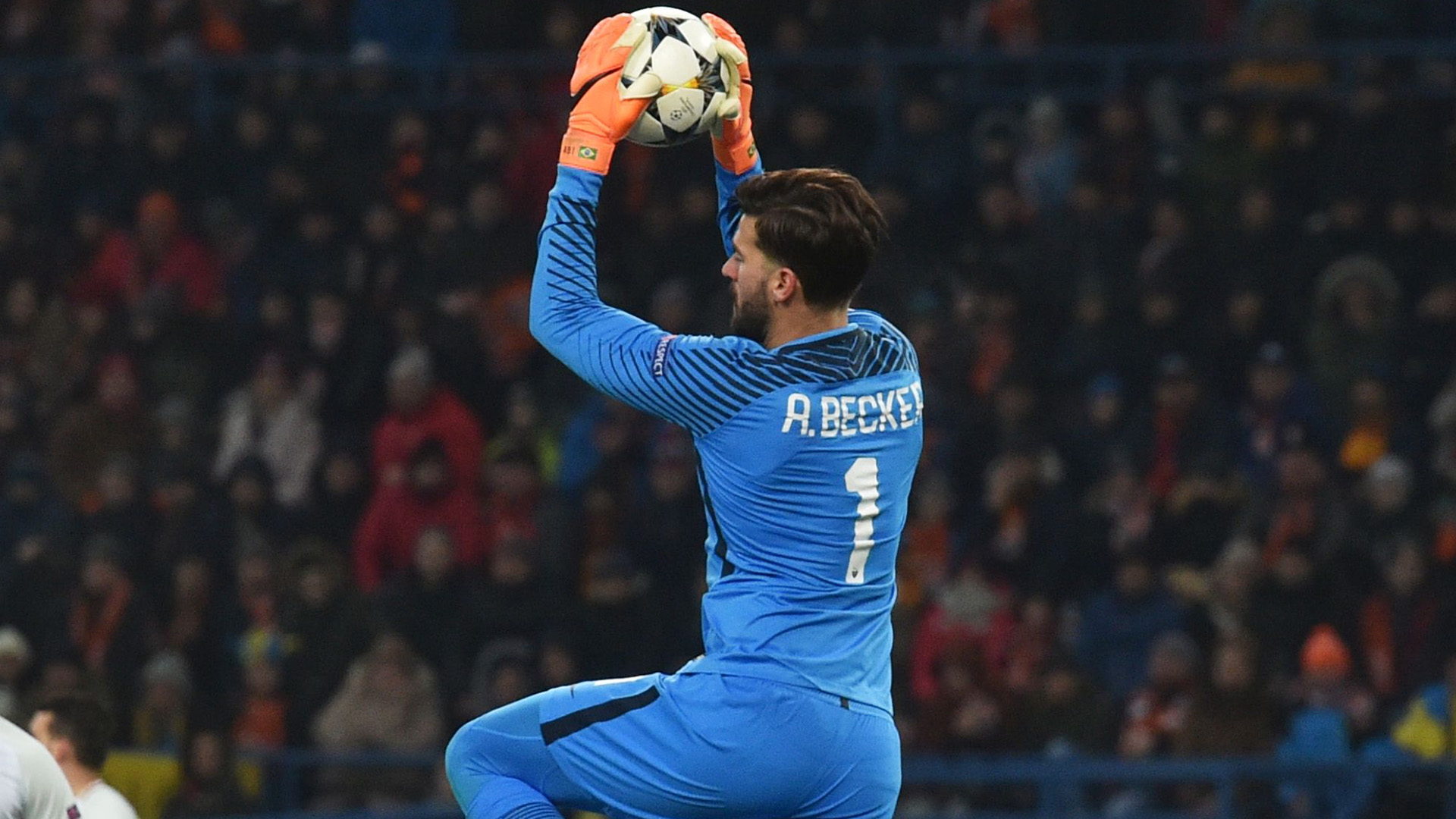 Alisson Shakhtar Roma Champions League