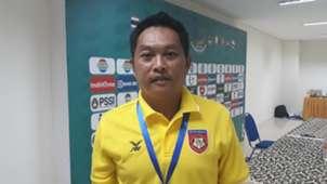 Pelatih Myanmar U-19 Myo Hlaing Win