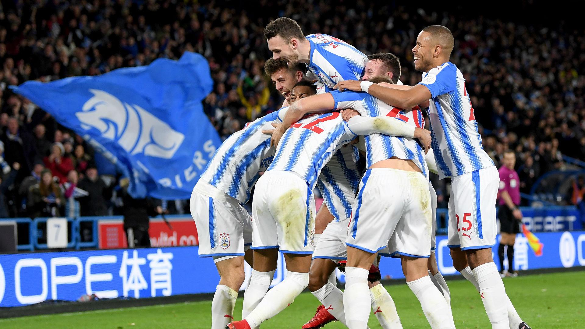 Huddersfield celebrate v Manchester City 261117