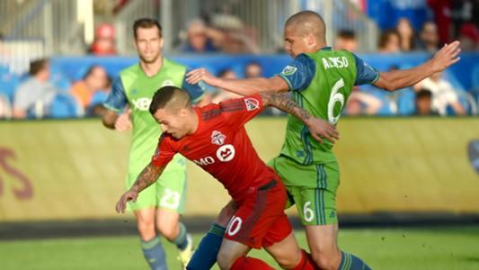 Sebastian Giovinco Osvaldo Alonso MLS Toronto FC Seattle 08022016