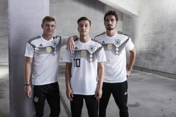 germany-2018-kit (2).jpg