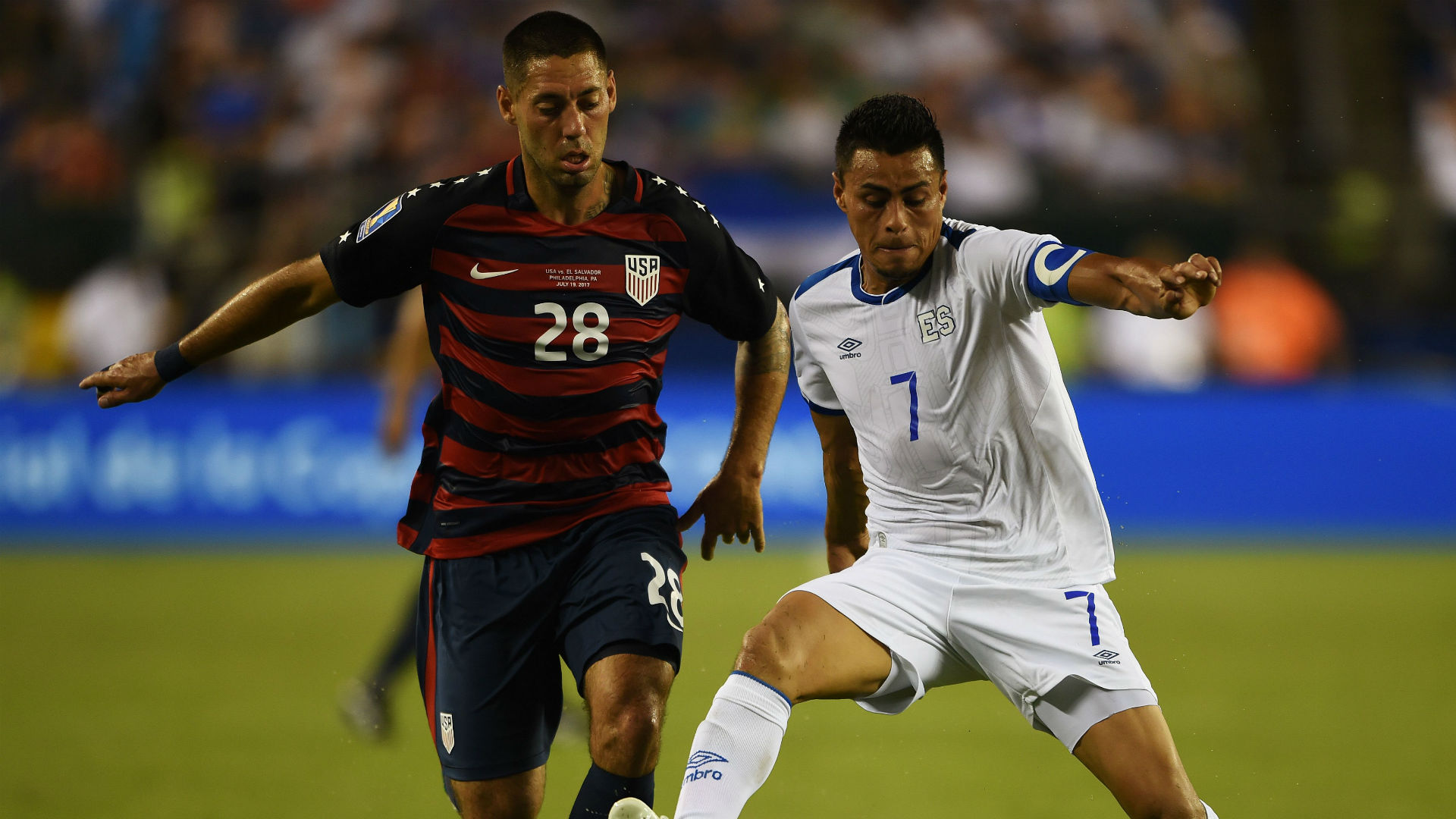 Clint Dempsey Darwin Ceren USA El Salvador Gold Cup