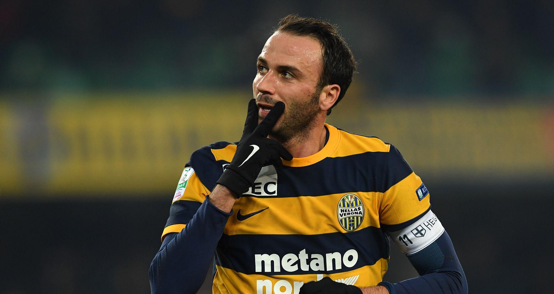 Giampaolo Pazzini Verona Cesena Serie B