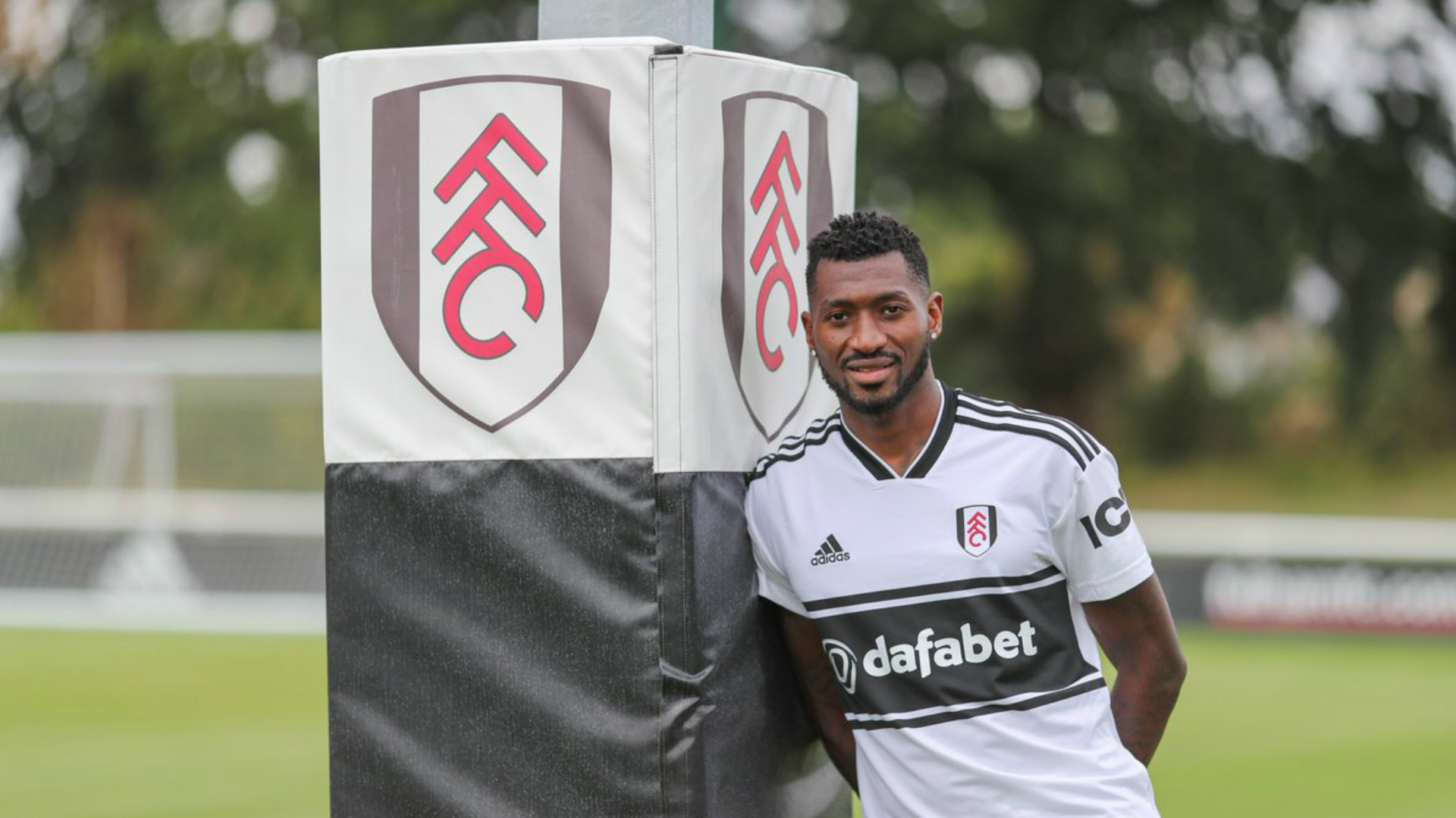 Andre-Frank Zambo Anguissa poses for a pic following his ill-fated move to Fulham last summer
