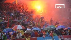Khán giả Hải Phòng đội mưa xem Olympic Việt Nam đá bán kết ASIAD 2018