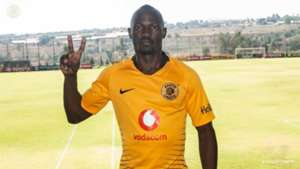 Godfrey Walusimbi signs for Kaizer Chiefs from Gor Mahia.j