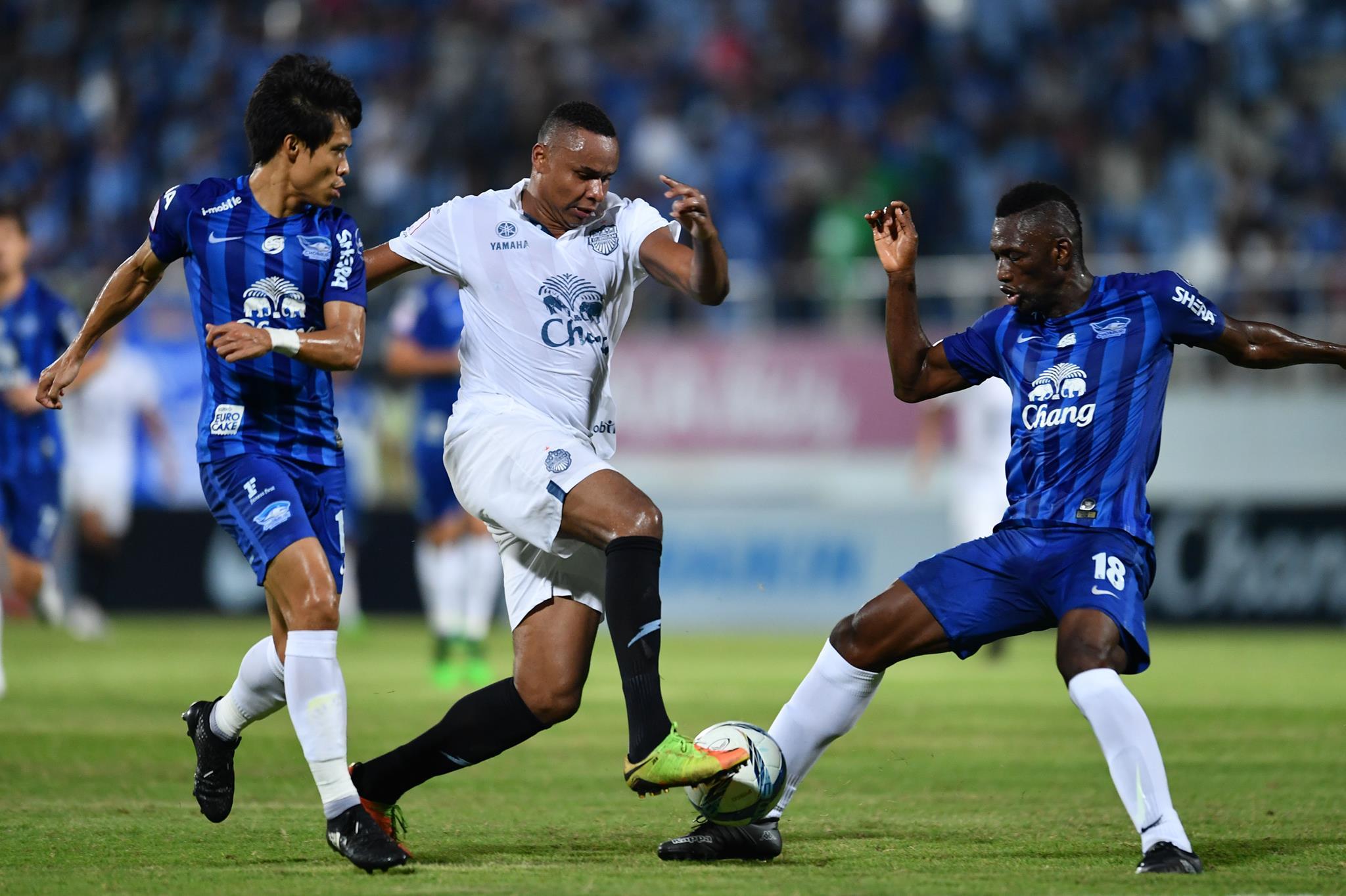 Image result for บุรีรัมย์แซงดับชลบุรี 2-1 ทำแต้มสูงสุดตลอดกาล