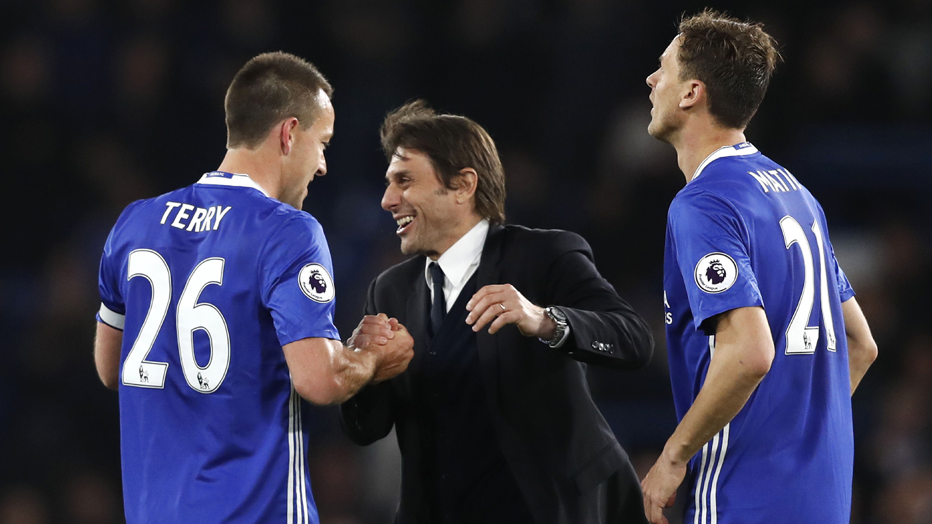Antonio Conte John Terry Nemanja Matic Chelsea Middlesbrough Premier League 08052017