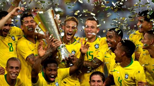 Neymar Brasil Superclássico das Américas troféu 16102018