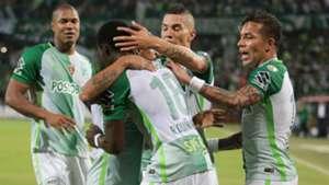 Atlético Nacional celebra gol a Estudiantes 02052017