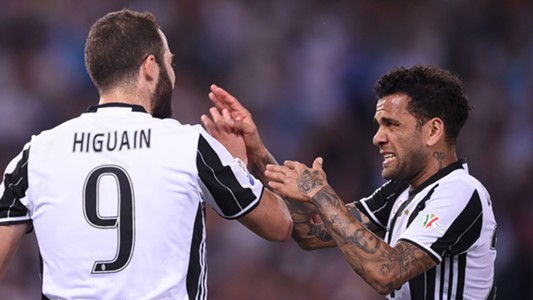 Gonzalo Higuain, Dani Alves, Juventus Turin, 18062017
