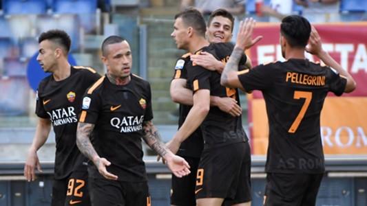 Roma players celebrating Roma Chievo Serie A