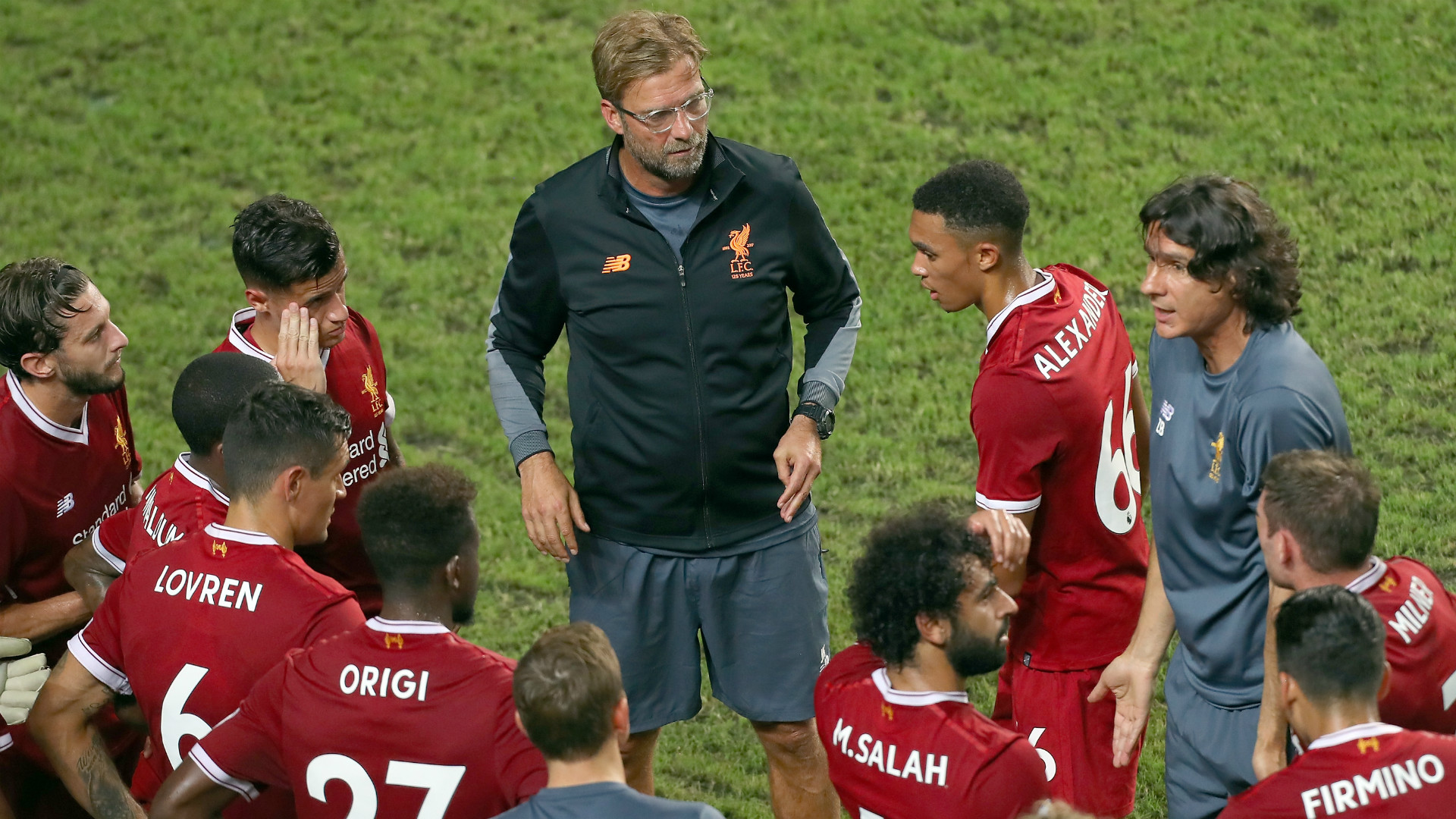 HD Jurgen Klopp Liverpool huddle