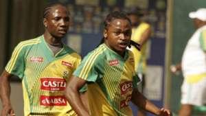 Teko Modise and Siphiwe Tshabalala South Africa training