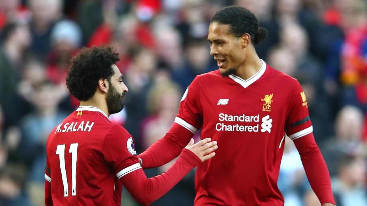 Liverpool báo tin vui về chấn thương của Salah và Van Dijk