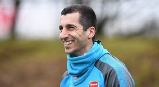 Henrikh Mkhitaryan firsti training with Arsenal