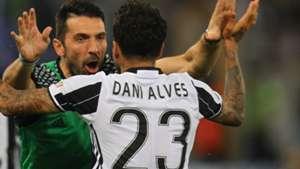 Buffon Dani Alves Juventus Lazio Coppa Italia