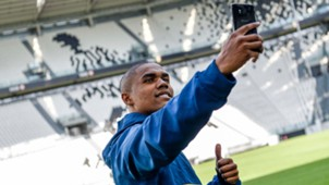 Douglas Costa Juventus unveiling 17072017