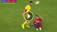 play expulsión de Medel ante Rumania