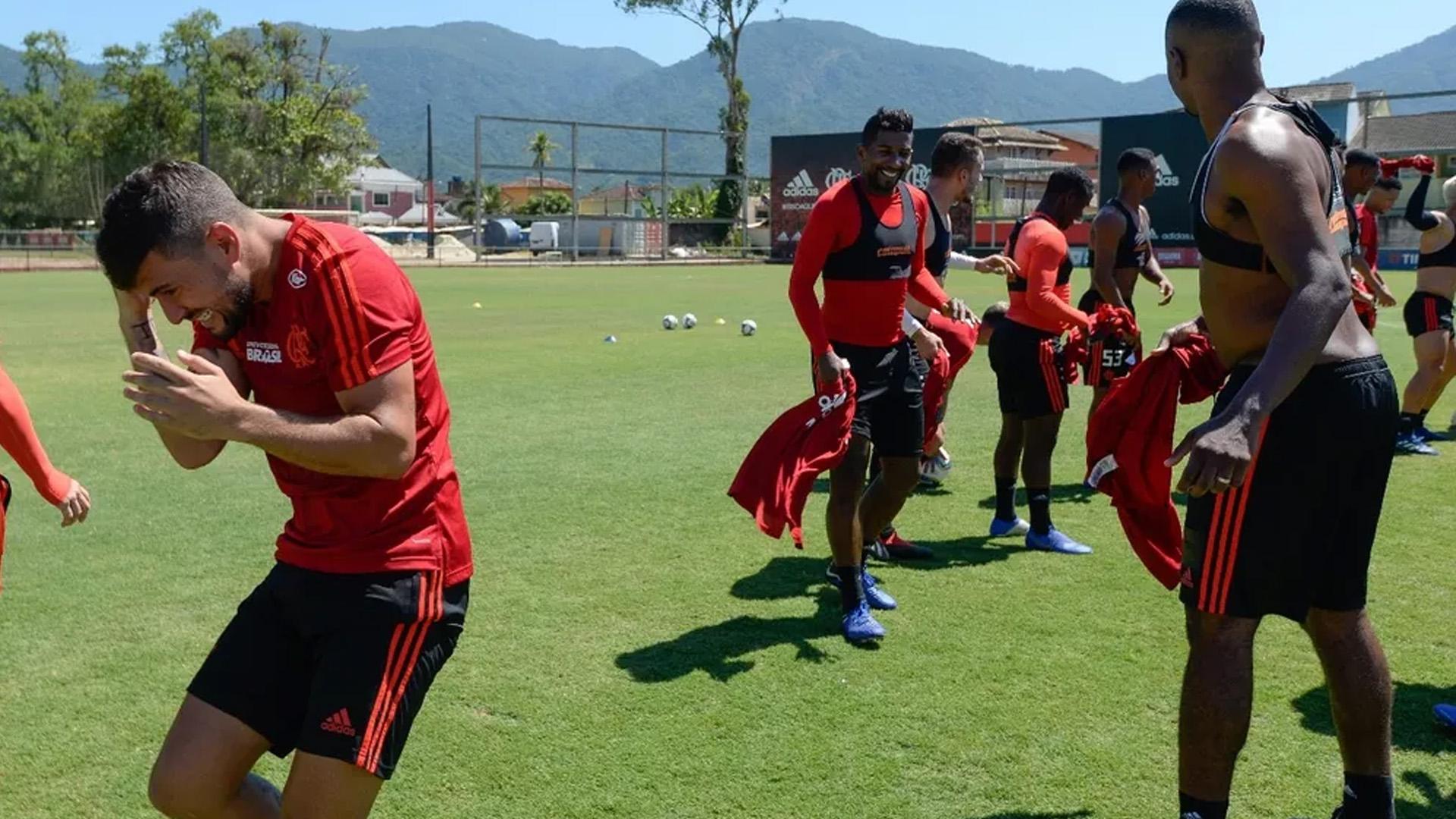 Arrascaeta Flamengo primeiro treino 17 01 19