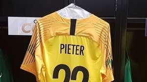 Curacao goalkeeper Jairzinho Pieter dies aged 31
