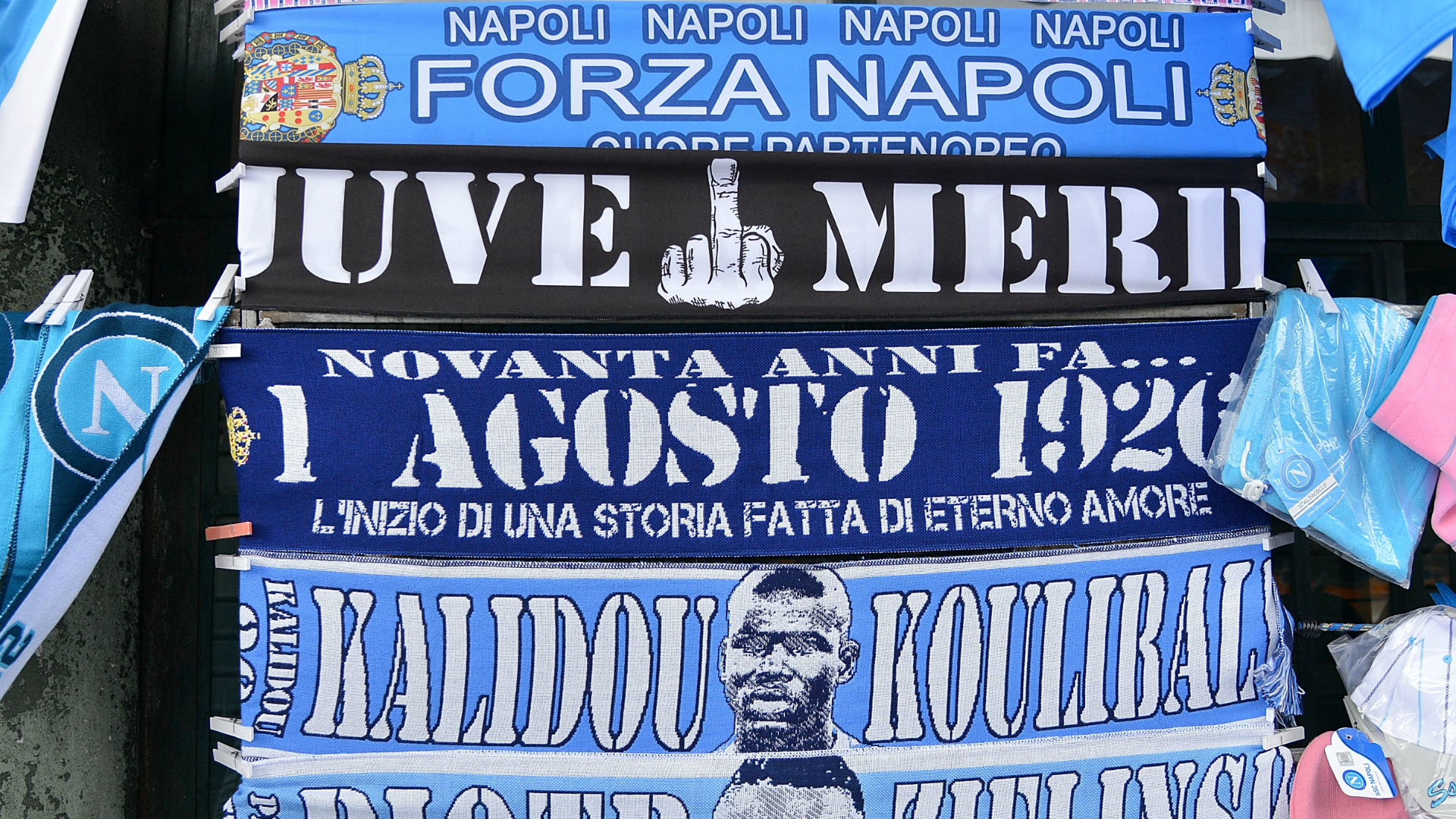 Higuain Napoli fans