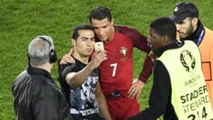 Cristiano Ronaldo Fan Selfie Portugal Austria 18062016