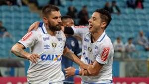 Rafael Sobis Diogo Barbosa Gremio Cruzeiro Brasileirao 11102017