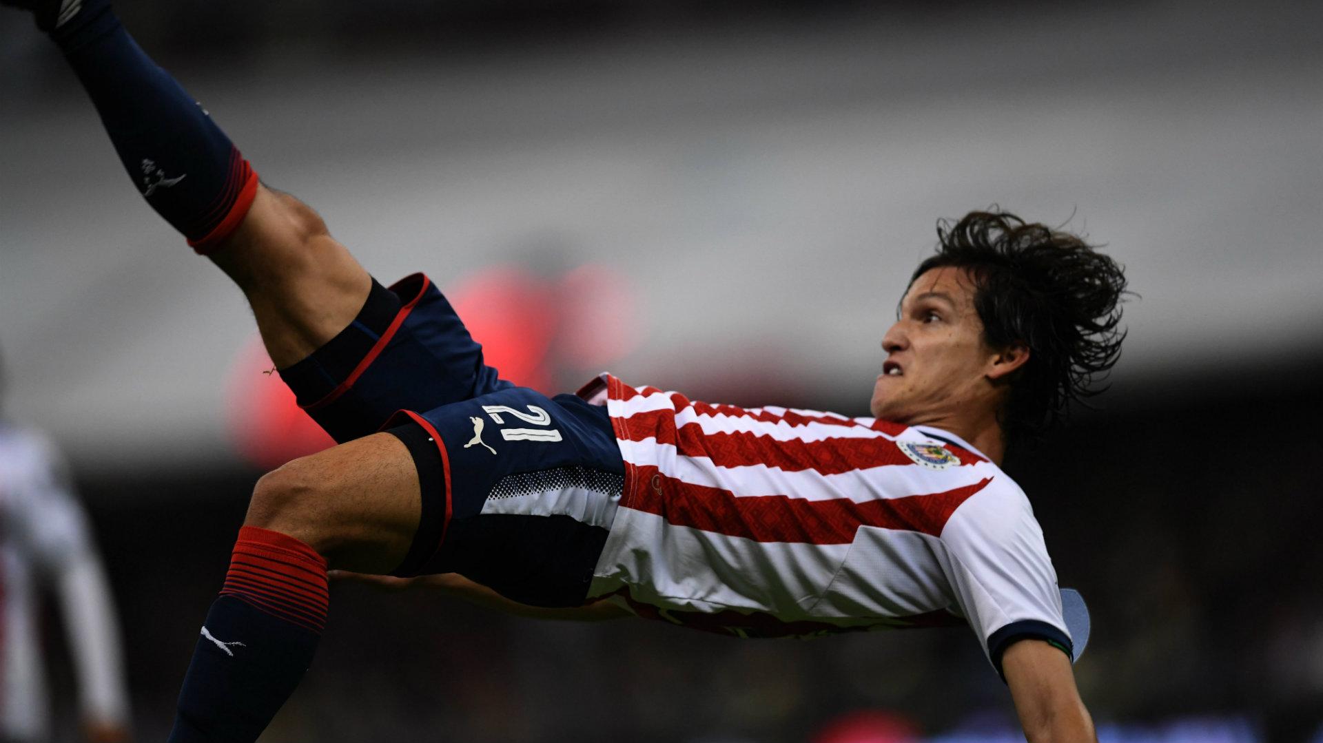 Carlos Fierro Chivas